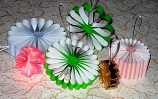 Создание бумажных новогодних украшений своими руками: фото, картинки, примеры. Новогодние игрушки своими руками