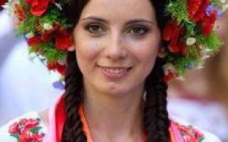 Свадебные венки на голову из живых цветов. Венок своими руками: крупные цветки в украинском стиле. Осенний венок своими руками: чудеса бумажного рукоделия детально