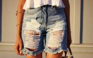 Как сделать драные шорты из джинс. Декор кружевом и тканью. Как сделать модные шорты на лето