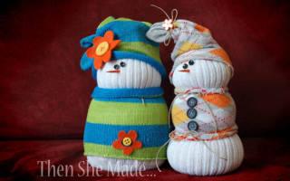 Как сделать снеговика из белого носка. Как сделать снеговика из носка — поделка на Новый год. Как сшить забавного снеговичка из носка