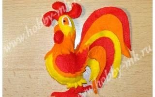 Шаблон новогодней игрушки из фетра петух. Петух из фетра своими руками