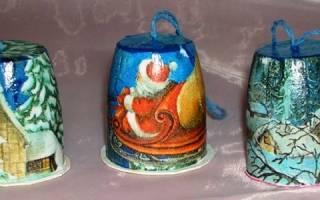 Изделия из пластиковых стаканчиков своими руками. Новогодние украшения из пластиковых стаканчиков